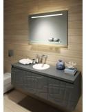 Lustro łazienkowe z półką