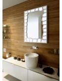 Lustro łazienkowe z łaciatym wzorem
